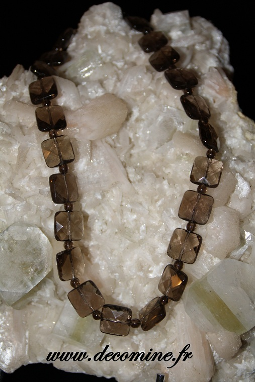 collier en quartz fum� perle � facette