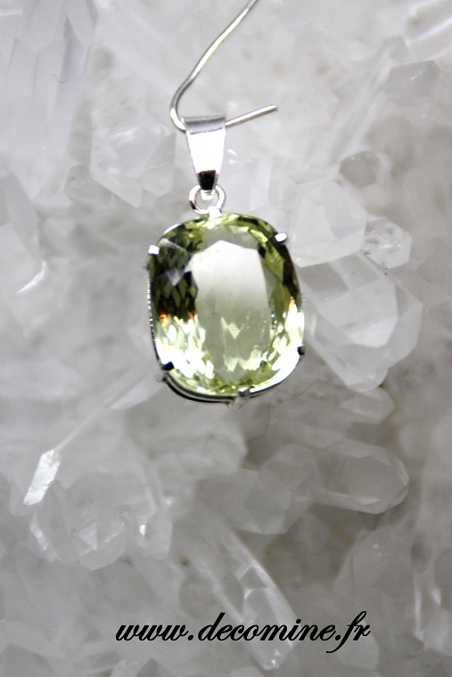pendentif hiddenite extra ovale
