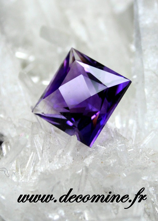 amethyste taille square dance 5.59 carats