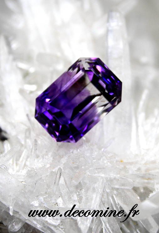amethyste 2 couleurs taille emeraude