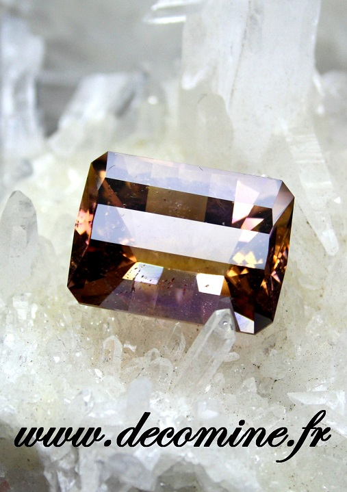 ametrine naturelle bolivie rectangle 31.18 carats
