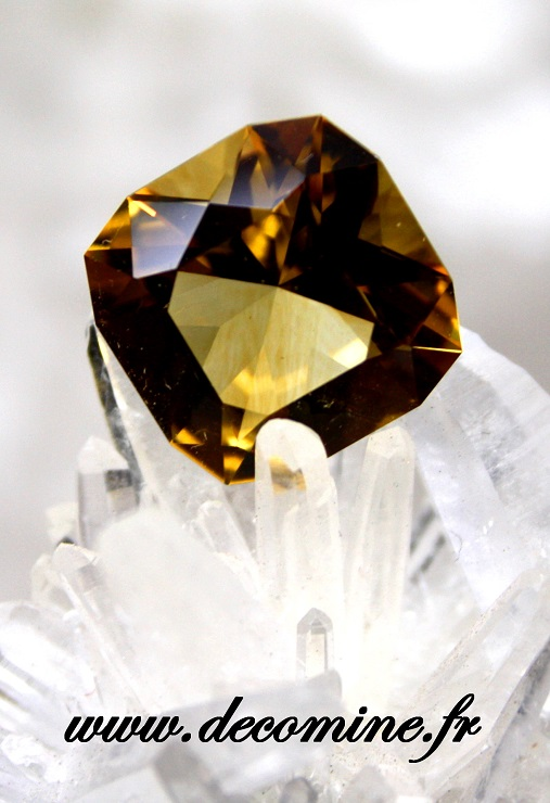 citrine madere naturelle taille coussin 8.48 carats
