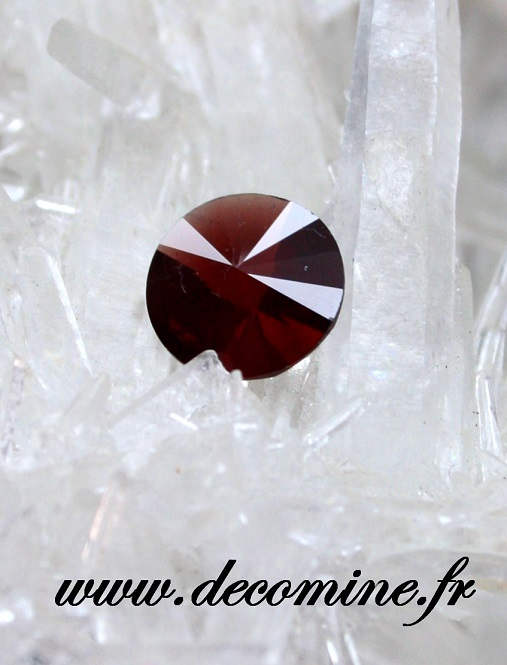 grenat rouge pyrope taille ROND FANTAISIE 2.04 carats