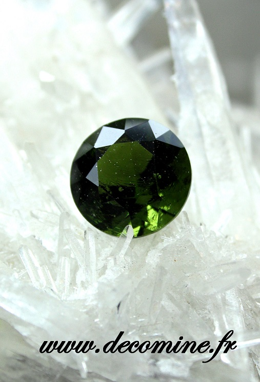 moldavite taille brillant rond 4.80 carats
