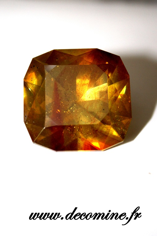 sphalerite blende taille coussin 64.32 carats