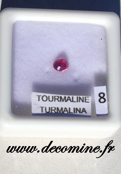 tourmaline rose pierre taillee ovale