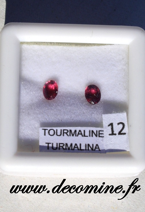 tourmaline rose pierre taillee ovale lot de 2